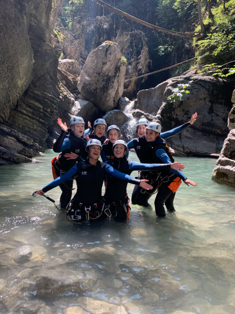 Canyoning Maedels Gruppe